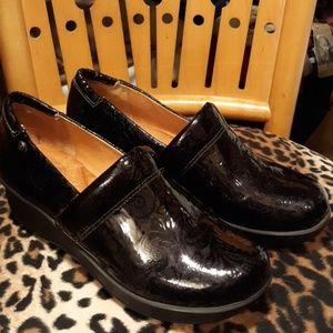 Nurture by Lamaze Women's Black Shoes